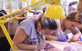 Курсы маникюра и педикюра: обучение в школах и учебных центрах Екатеринбурга с дипломом и без