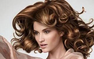Как правильно накручивать волосы на плойку, чтобы долго держались короткие, длинные, средние локоны. Фото, видео, средства
