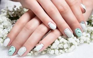 Стразы на ногтях: расположение и красивая выкладка с фото