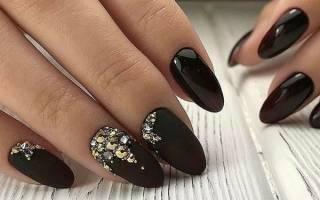 Дизайн ногтей в бежевых тонах — как сделать маникюр с черным рисунком гель-лаком со стразами