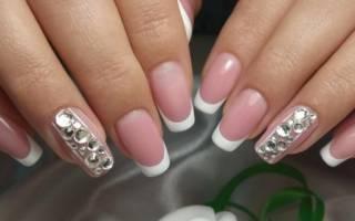 Черно белый френч на ногтях со стразами, рисунками, красивым дизайном, треугольником. Новинки дизайна, идеи и фото