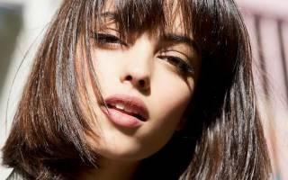 Стрижки для вьющихся волос средней длины. Фото без укладки, с челкой, на каждый день для женщин