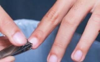 Стричь ногти: когда лучше подстригать, в какие дни недели, можно ли в воскресенье или понедельник, почему нельзя на ночь или вечером, какие есть приметы и поверья?
