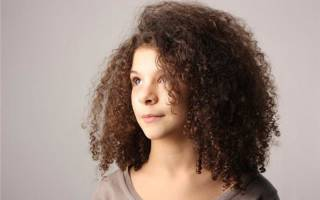 Как сделать мелкие кудри от корней на длинные, средние волосы, накрутить без плойки и бигуди. Фото